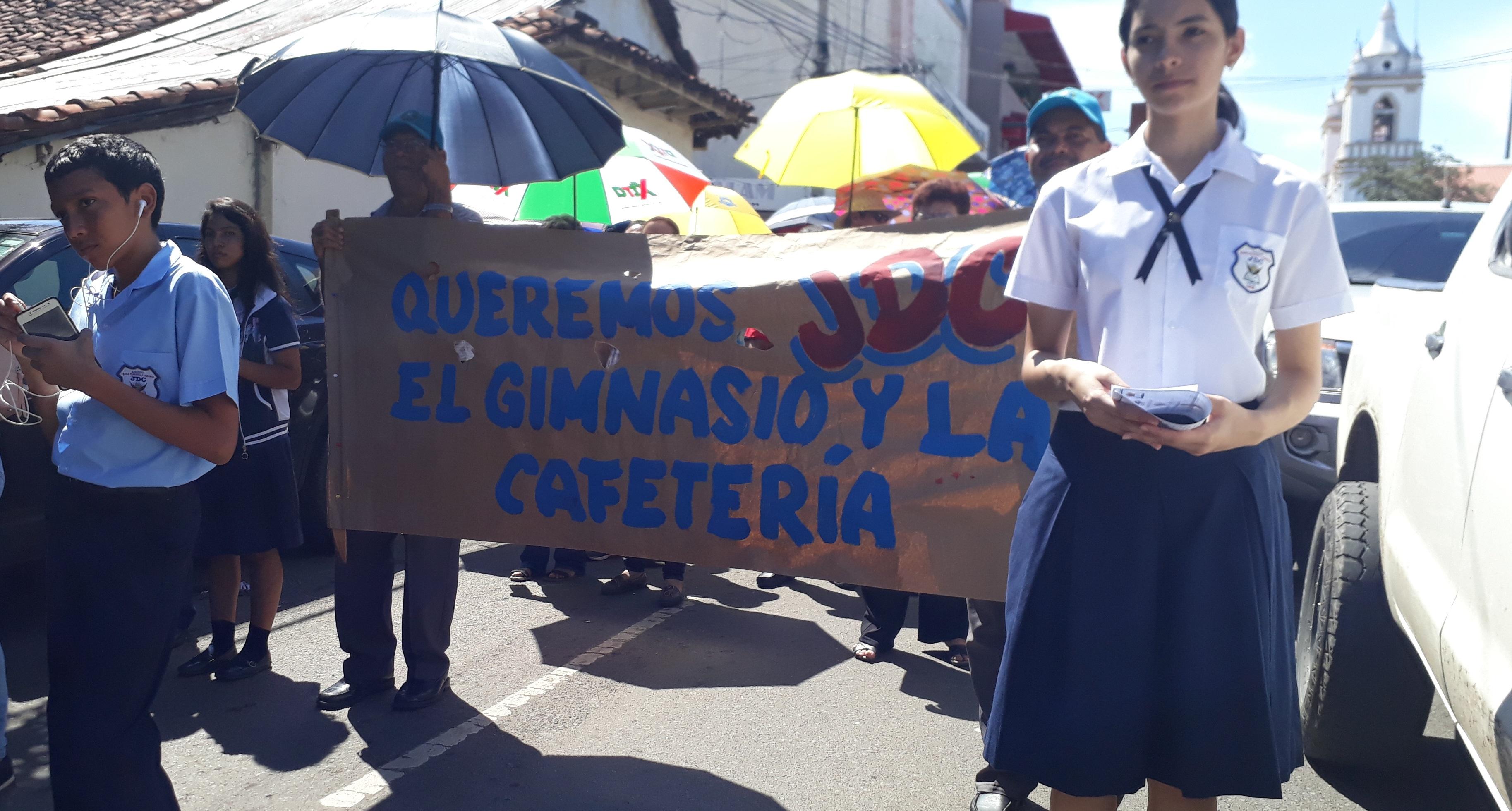 Colegio José Daniel Crespo reanuda clases el lunes tras levantar ...