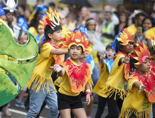 eb8beb62e Los bailarines participan durante el desfile del Día de los Niños en el  carnaval de Notting Hill