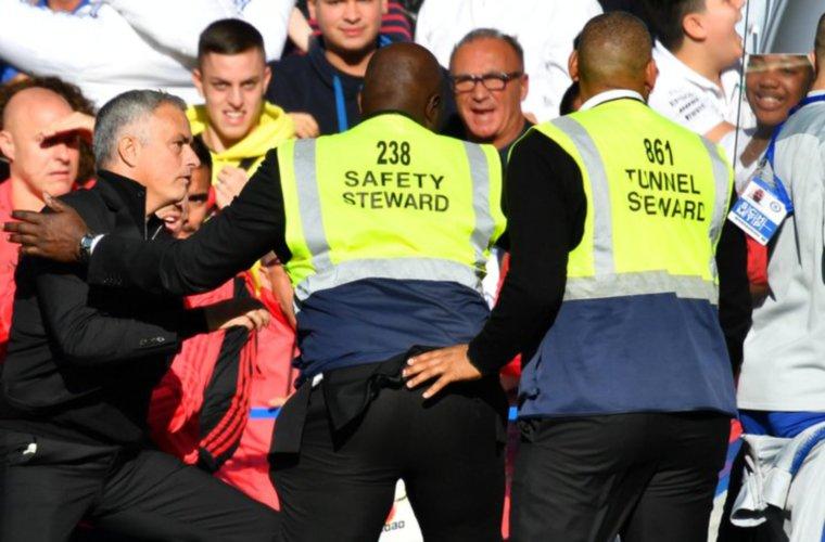 La desmesurada reacción de Mourinho con uno de los asistentes de Sarri