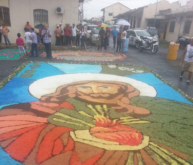 Alfombras Del Corpus Christi En Azuero Critica