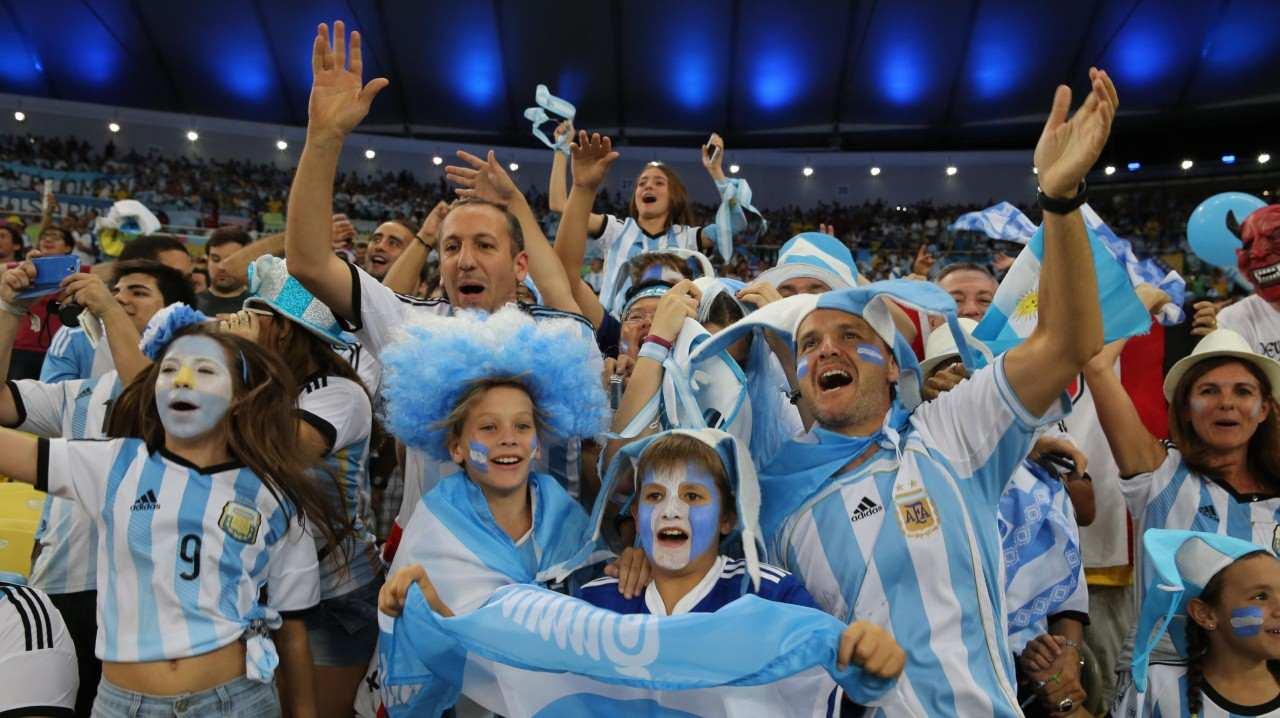 Resultado de imagen para hinchas argentinos