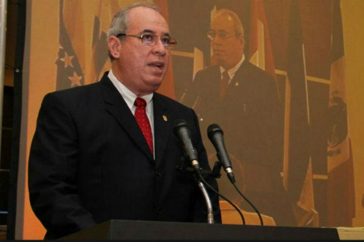 Renuncia del presidente de la Corte ahonda crisis en Panamá