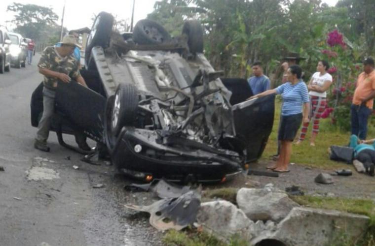 Docente muere en accidente
