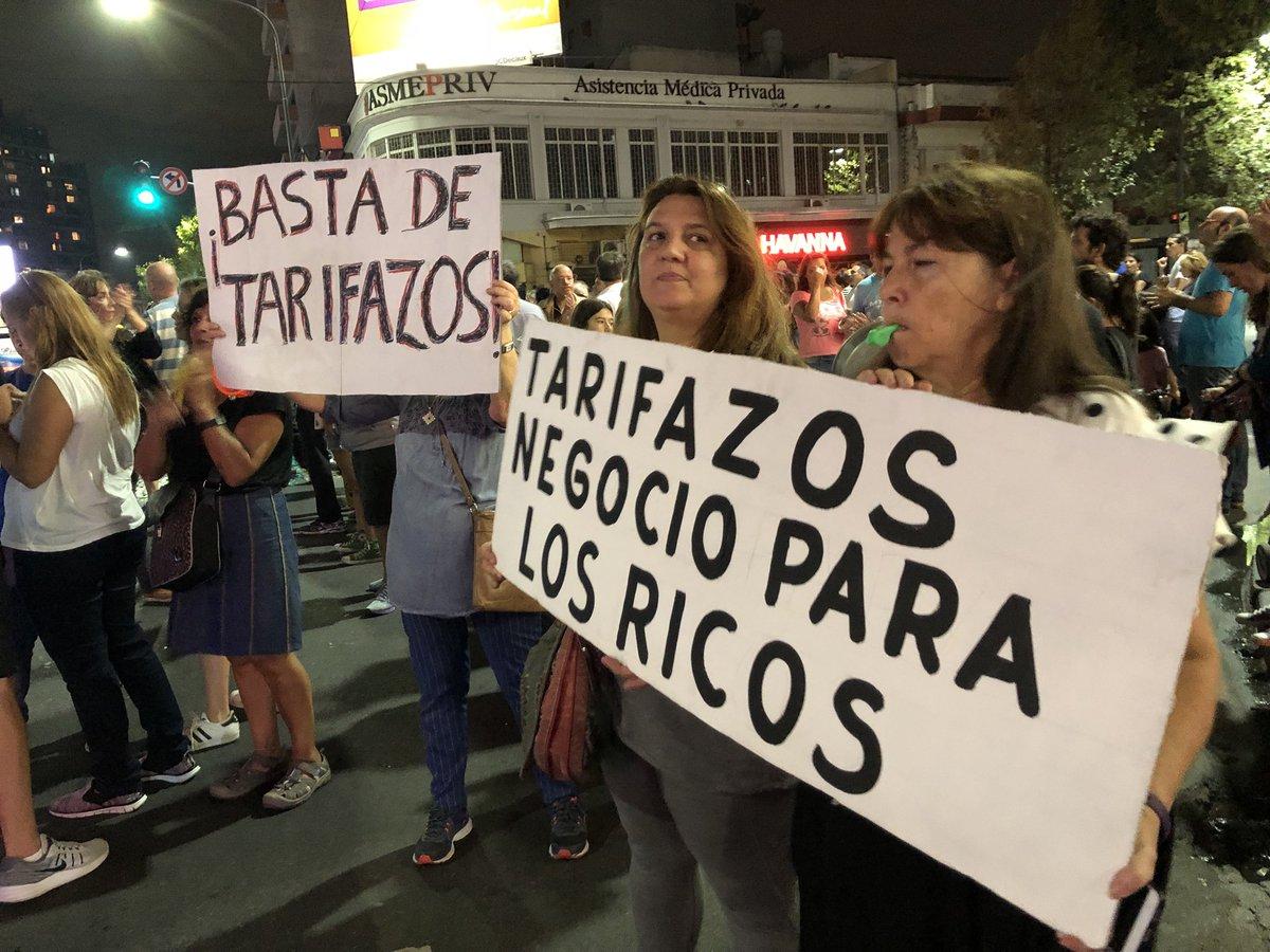 Cristina Kirchner propone suspender los aumentos de gas, luz y agua