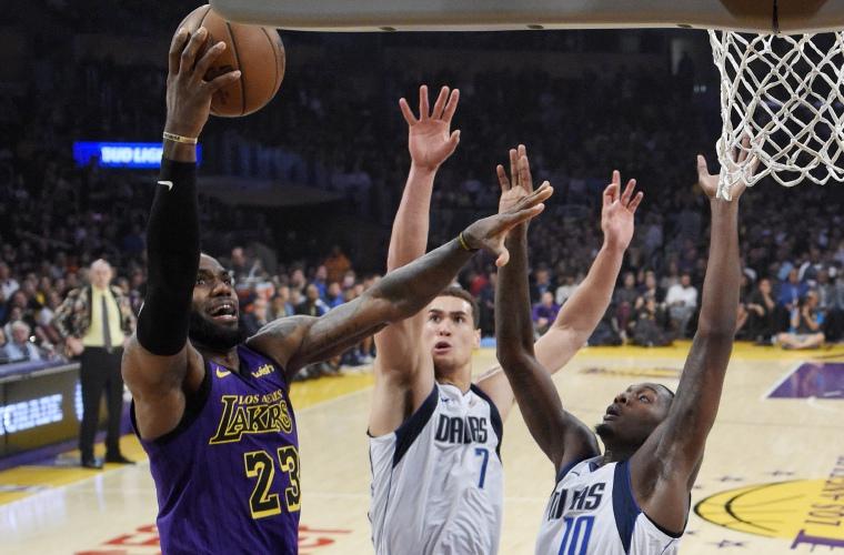 LeBron James guía a los Lakers a una victoria sobre los Pacers