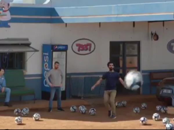 Messi y Salah se enfrentan en un increíble desafío de remates