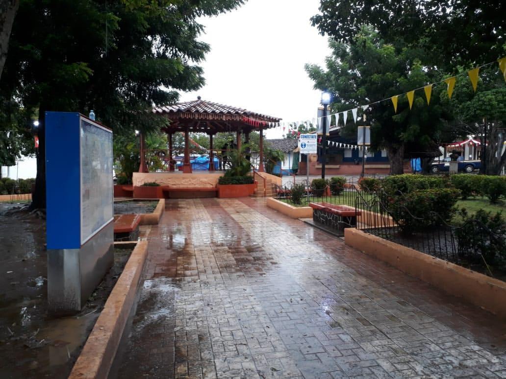 Limpian el pueblo de Guararé, algunos residentes estaban molestos - Crítica