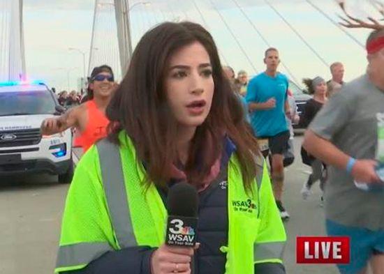 Arrestan maratonista que tocó trasero a reportera durante una transmisión en vivo