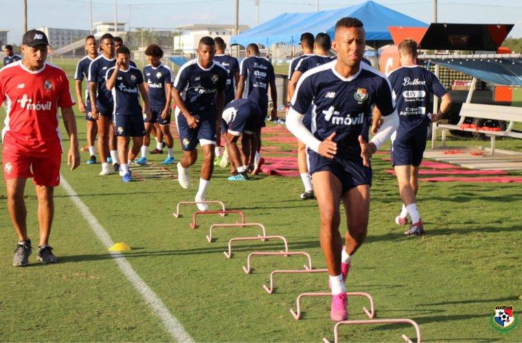 Prensa panameña se enorgullece de jugador que lesionó al 'Chucky' Lozano