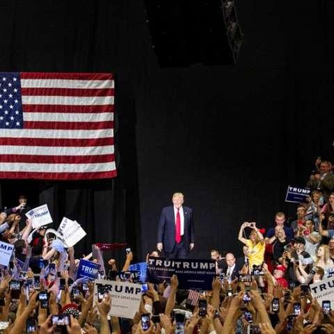 Trump suma ya 1.238 delegados, con lo que consolida su victoria en las primarias y evita así una convención republicana disputada, como buscaba una parte del aparato del partido conservador.  /  Foto: EFE