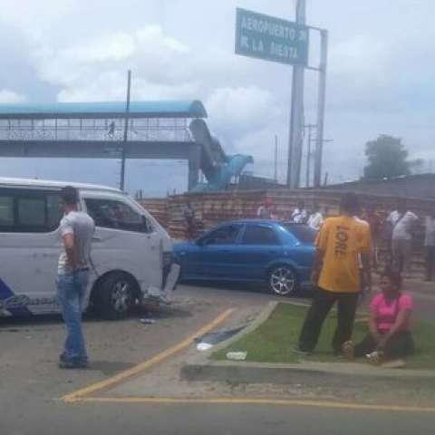 Producto del suceso se habla de 4 personas heridas.  /  Foto: @josechacon18