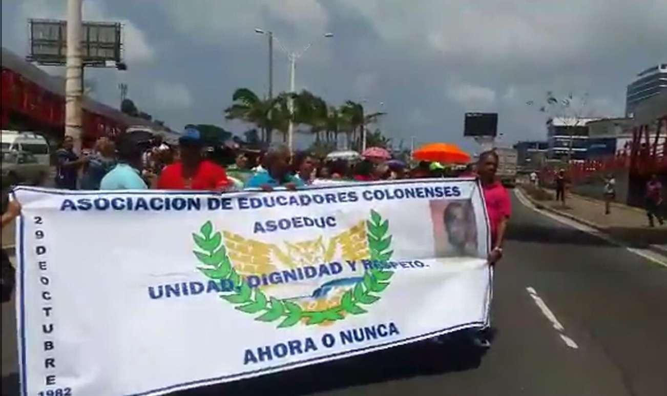 Colón   Critica