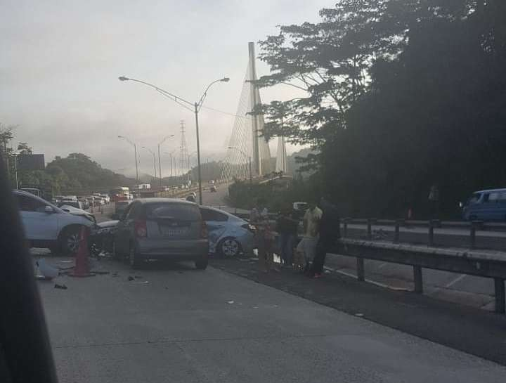 Vista general del accidente en vía Centenario. Foto: @TraficoCPanama